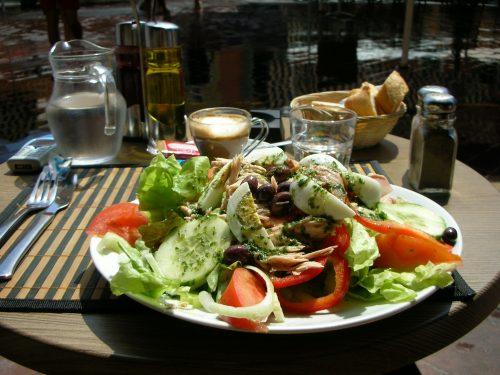 salade nicoise a Nice