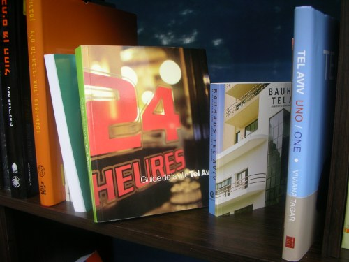 "books on TLV - in French (""24 heures...), on design (Bauhaus architecture), etc."