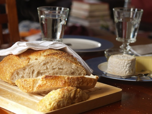 Jim Lahey's no-knead bread, a few tranches