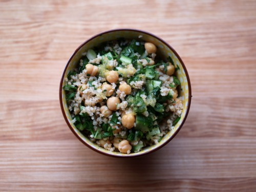 bulgur and chickpea salad with parsley and mint