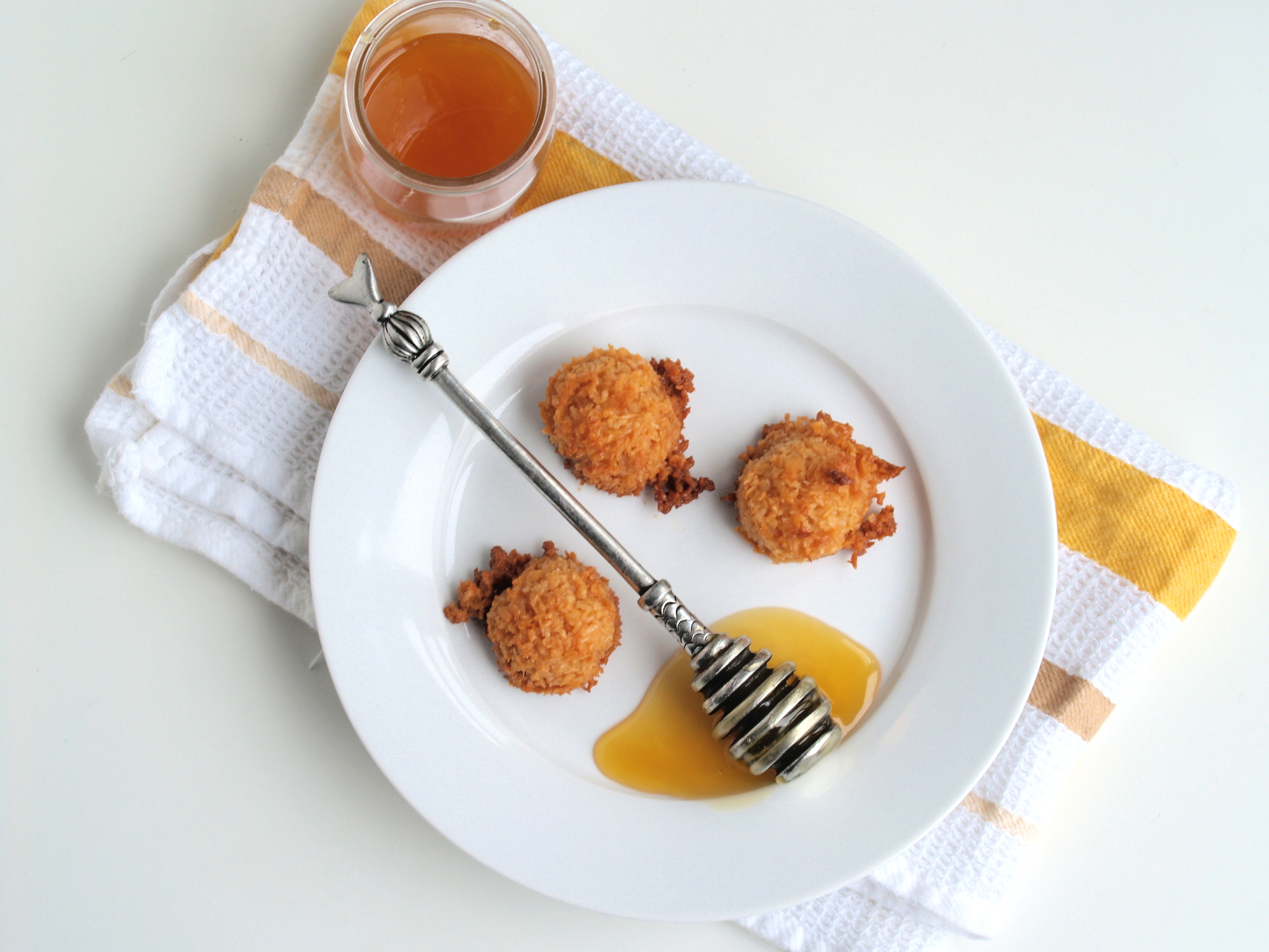 honey coconut macaroons