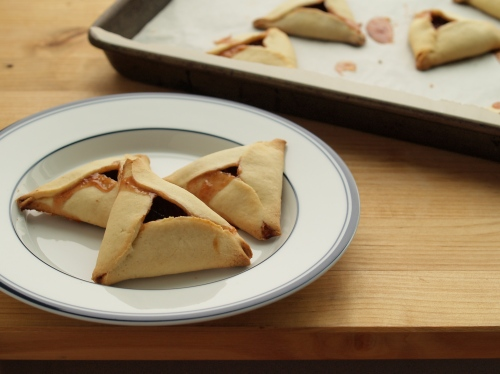 strawberry rhubarb hamantashen